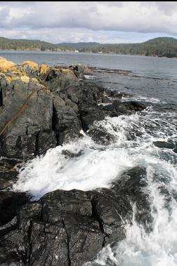small swell at South-East Islet