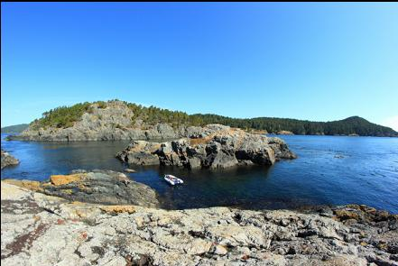 anchored in the gap between 2 islets